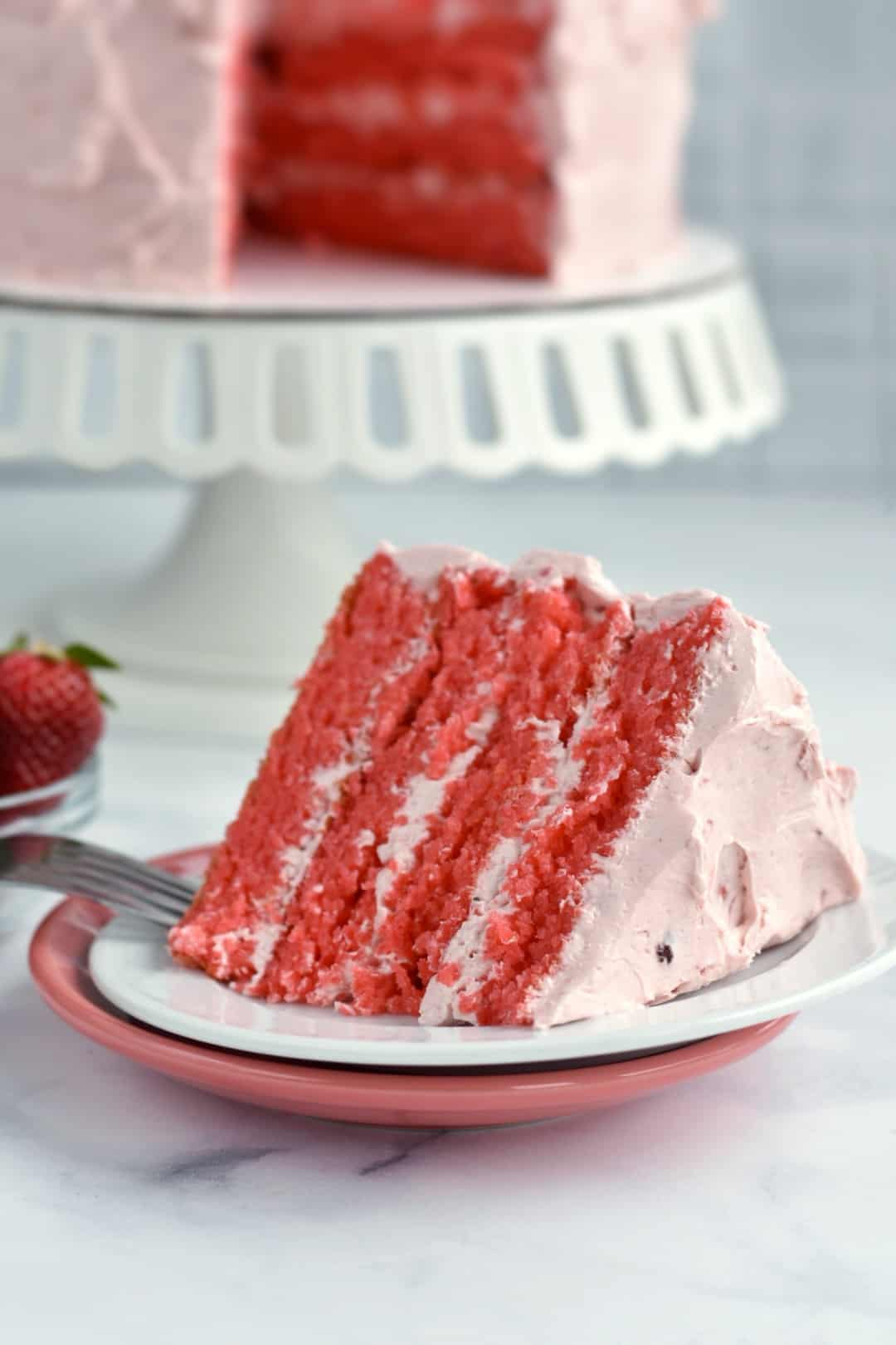 closeup picture of strawberry cake on plate
