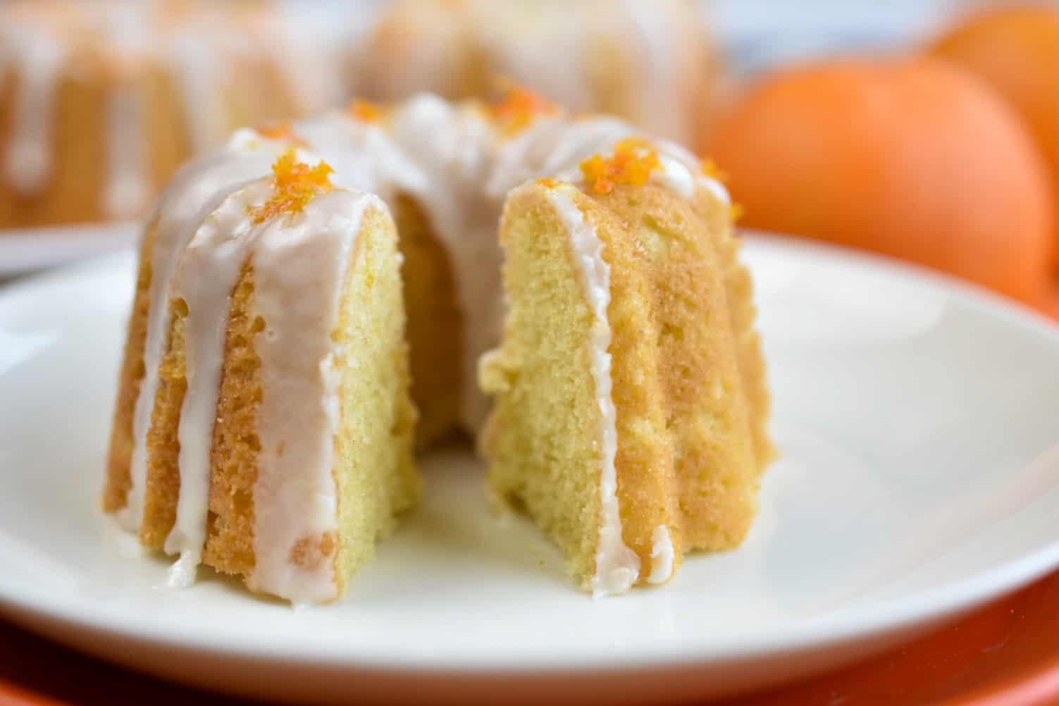 closeup of mini bund cake